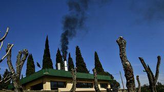 دخان منبعث من محرقة في لوغرونو شمال إسبانيا