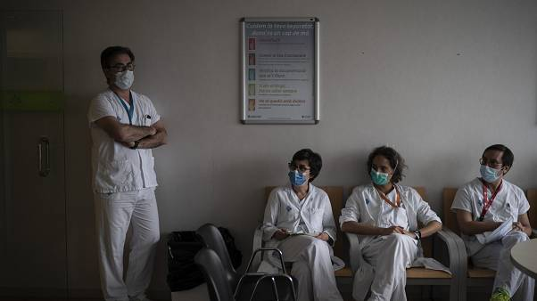 Virus Outbreak Inside the ICU
