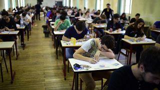Γαλλία: Ακυρώνονται οι εξετάσεις 'baccalaureat' για πρώτη φορά από την εποχή του Ναπολέοντα