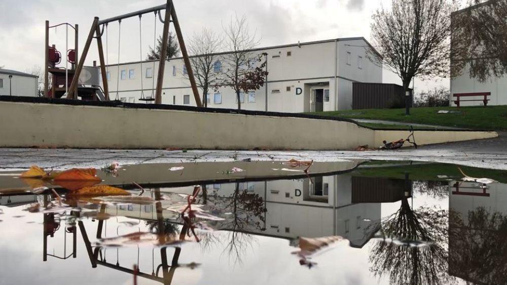 El distanciamiento social es una perspectiva remota en los concurridos centros de asilo de Irlanda 15