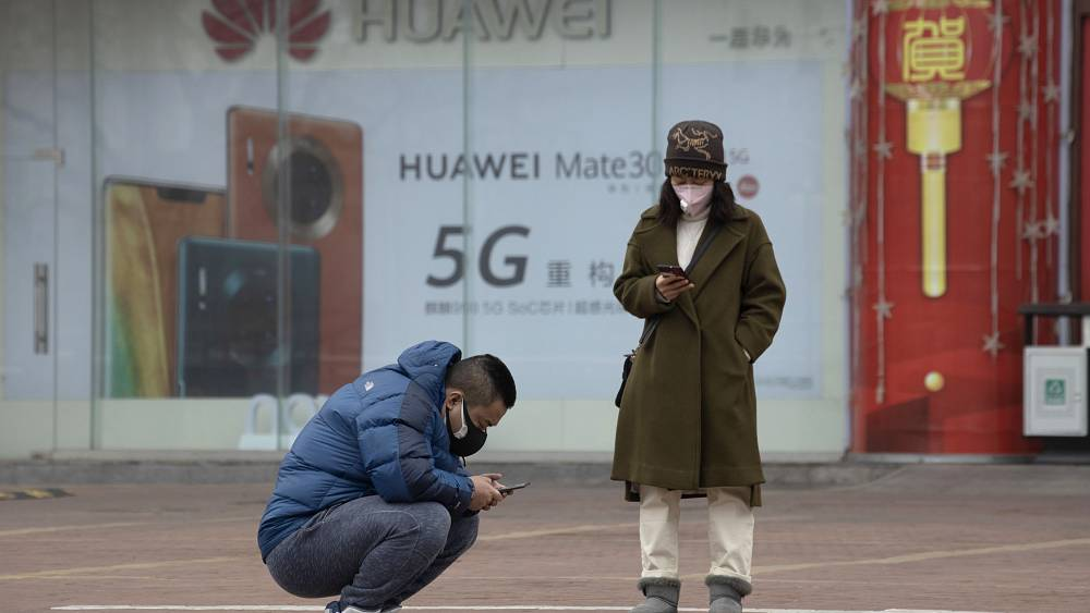 People are saying coronavirus is a cover up for 5G - here's why it's not | Euronews answers