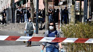 الشرطة الفرنسية توقف سودانيا ثالثا بعد مقتل اثنين وإصابة آخرين بهجوم شرق البلاد
