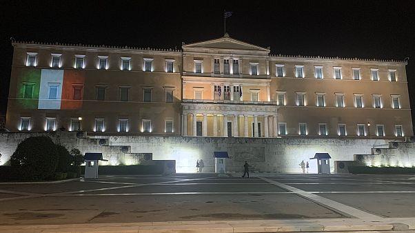 «Ευχαριστώ» της Ιταλίας στην Ελλάδα για τη συμβολική στήριξη