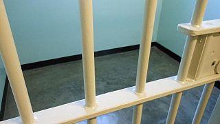 Batman Cezaevi'nde yangın çıktı, mahkumların isyan ettiği ileri sürülüyor