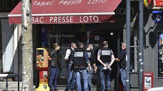 Полиция на месте нападения в городе Роман-сюр-Изер