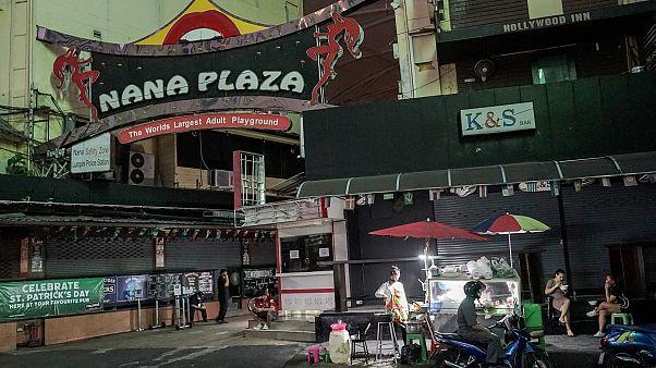 En Thaïlande, le virus fragilise les prostituées désormais à la rue
