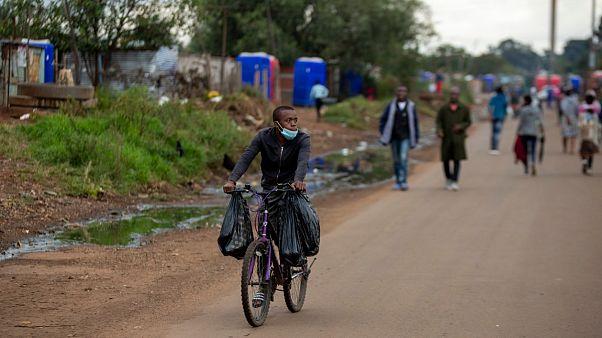 Estrada de Thokoza, a leste de Joanesburgo, na África do Sul