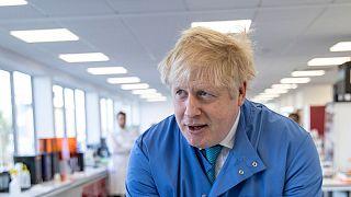 بوریس جانسون، نخست وزیر بریتانیا در بخش مراقبتهای ویژه بیمارستان بستری شد