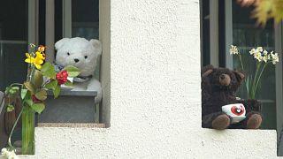 فيديو: لماذا يعرض سكان واشنطن دمى الدببة على نوافذهم خلال الحجر الصحي؟