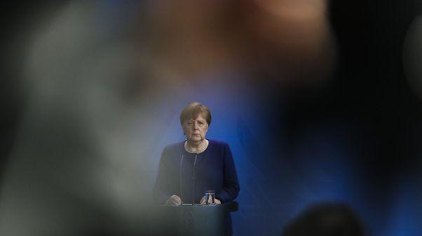 المستشارة الألمانية أنجيلا ميركل قبيل مؤتمر لوزراء مالية منطقة اليورو في برلين