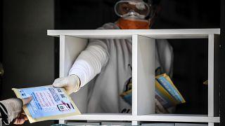 Koronavírus: újabb 636 halott Olaszországban