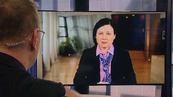 Η Αντιπρόεδρος της Ευρωπαϊκής Επιτροπής, Βέρα Γιούροβα στο Euronews