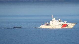 Muğla'da Türk kara sularına geri itilen 17 sığınmacı kurtarıldı