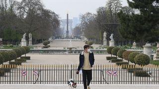 Споры о спорте и масках: Франция готовится к пику эпидемии