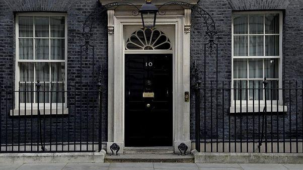 Yoğun bakıma alınan Başbakan Johnson'ın yokluğunda kim vekalet ediyor, kabine nasıl işliyor?