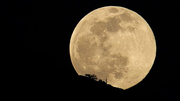 The full super snow moon is pictured on February 8, 2020, in Oregon, USA