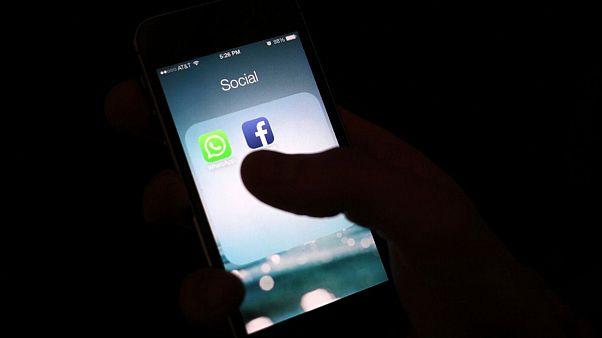 واتساپ برای منع اخبار جعلی کرونایی، فورواردها را محدود کرد