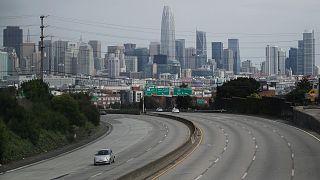 A 101-es autópálya San Francisco bejáratánál a koronavírus-járvány idején
