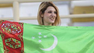 تركمانستان تتجاهل كورونا وتحتفل بيوم الصحة العالمي بحشد رياضي ضخم