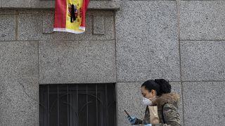 Número de mortes ligadas à Covid-19 volta a subir em Espanha