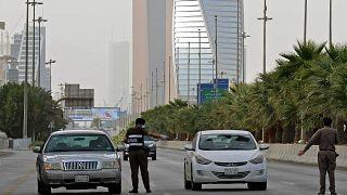السعودية: حظر زيارات الوالدين المنفصلين لأولادهم للحد من انتشار كورونا