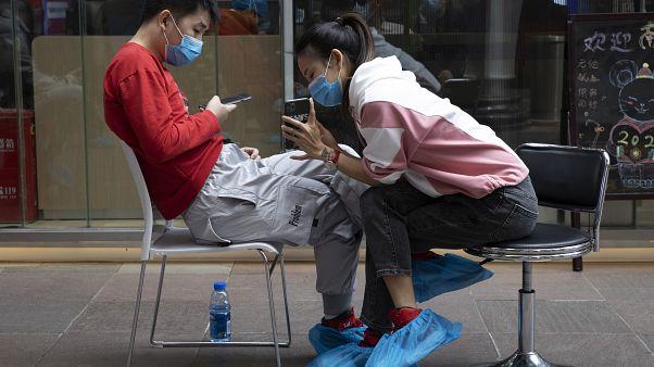 "Testimonio español desde Hong Kong: ""Tenemos un código QR para entrar en oficinas y bares"""