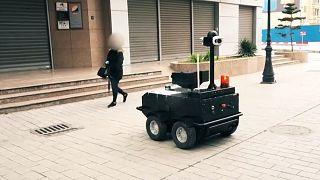 Tunus'ta Covid-19: Sokağa çıkma yasağına uzaktan kumandalı araçlarla teftiş