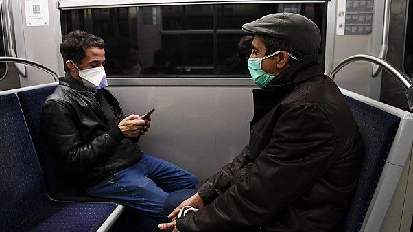 Photo d'illustration : voyageurs dans le métro parisien, le 23 mars 2020
