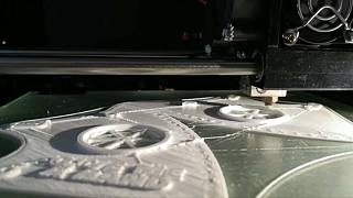 """Stampate in 3D e Open Source. Le mascherine gratuite e """"fai da te"""""""