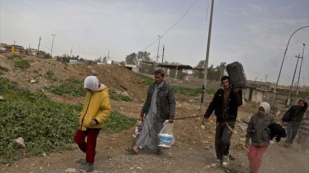 الإغلاق التام في الموصل بسبب الوباء يؤرّق معيشة الآلاف من العمال