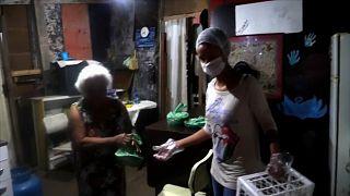 Moradores das favelas organizam-se contra o coronavírus