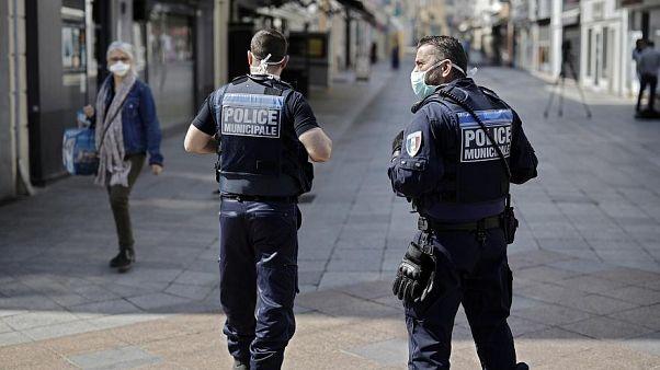 الصيادون الفرنسيون يقومون بدوريات لمساعدة رجال الأمن في إنفاذ القانون