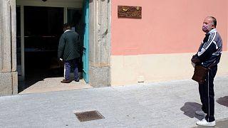 تحذيرات من مساعدات تقدمها المافيا الإيطالية للفقراء خلال أزمة كورونا