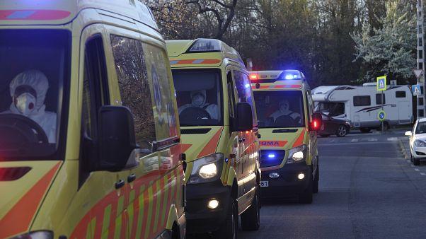 Koronavírus - A Korányi kórházba vittek lakókat a Pesti úti idősotthonból