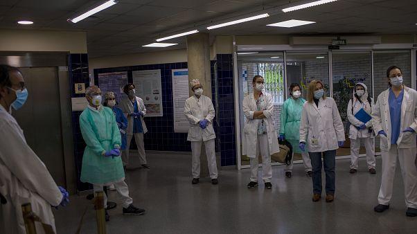 В Испании число умерших от инфекции увеличилось на 605 человек
