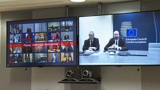 Решением Еврогруппы довольны правительства и Европарламент