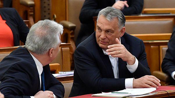 Dilemmát hozhat a járvány Orbánnak
