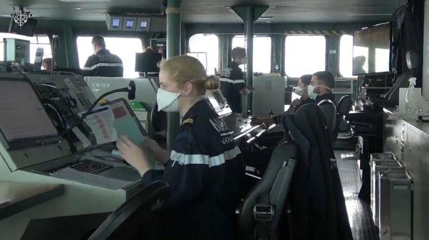 Navi militari nella morsa di Covid-19: equipaggi in pericolo