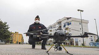 İtalya'da virüsün etkilerini azaltmak için drone kullanımı arttı