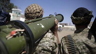 Yemen'de hükümet ve Husiler birbirlerini ateşkesi delmekle suçluyor