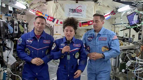 پیامی از ایستگاه فضایی؛ زمین با کرونا هم فریبنده اما سورئالیستی است