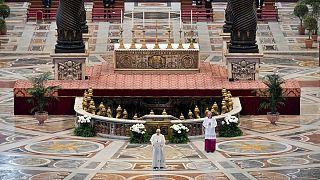 پیام پاپ در عید پاک از کلیسای خالی: پیامآور زندگی باشید، تحریمها کاهش یابد