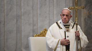 Papa apela ao aliviar de sanções internacionais