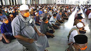 Sağlık uzmanları uyardı: Endonezya'daki Ramazan ayı seyahatleri koronavirüsü daha da yayabilir
