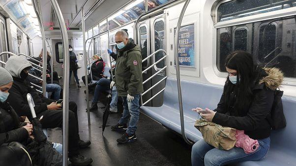 New York, in calo i morti da coronavirus