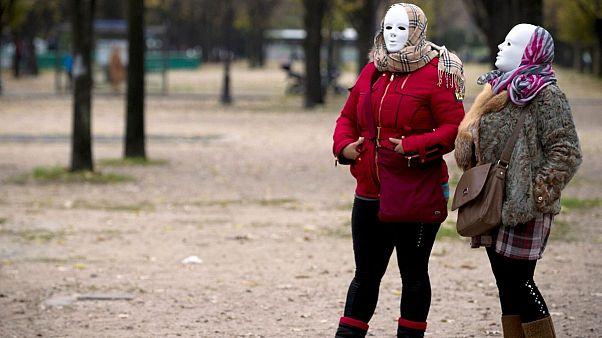 وضعیت دشوار کارگران جنسی در فرانسه و اسپانیا در پی شیوع ویروس کرونا