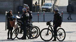 از نوار بهداشتی تا نوشابه؛ جریمههای قرنطینهای عجیب در فرانسه