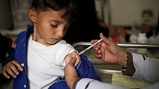 UNICEF: Covid-19, 117 milyon çocuğun kızamık aşısını erteleyebilir