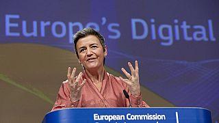 مارغريت فيستاجر مفوضة الاتحاد الأوروبى لشؤون المنافسة