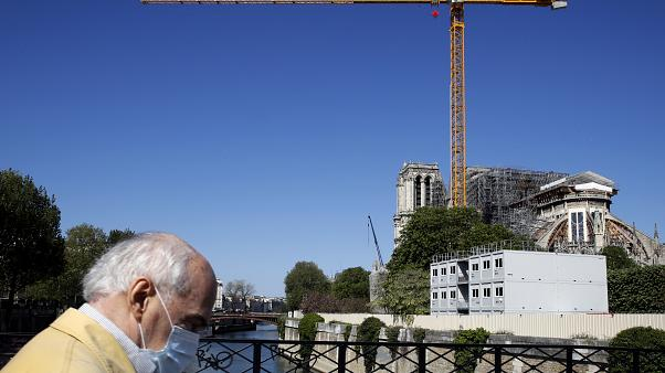 Vor genau 1 Jahr brannte Notre-Dame - jetzt sind Bauarbeiten gestoppt
